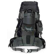 photo: High Sierra Lightning 30 daypack (under 2,000 cu in)